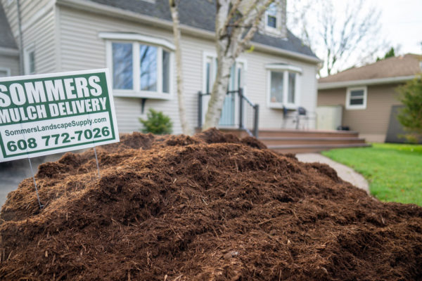 sommers-mulch-delivery-service